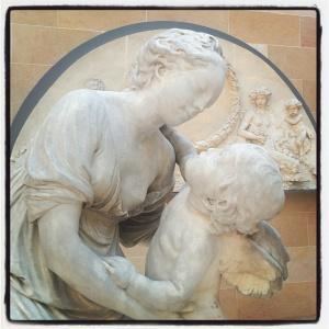 L'amour embrassant l'Amitié de Jean-Baptiste Pigalle